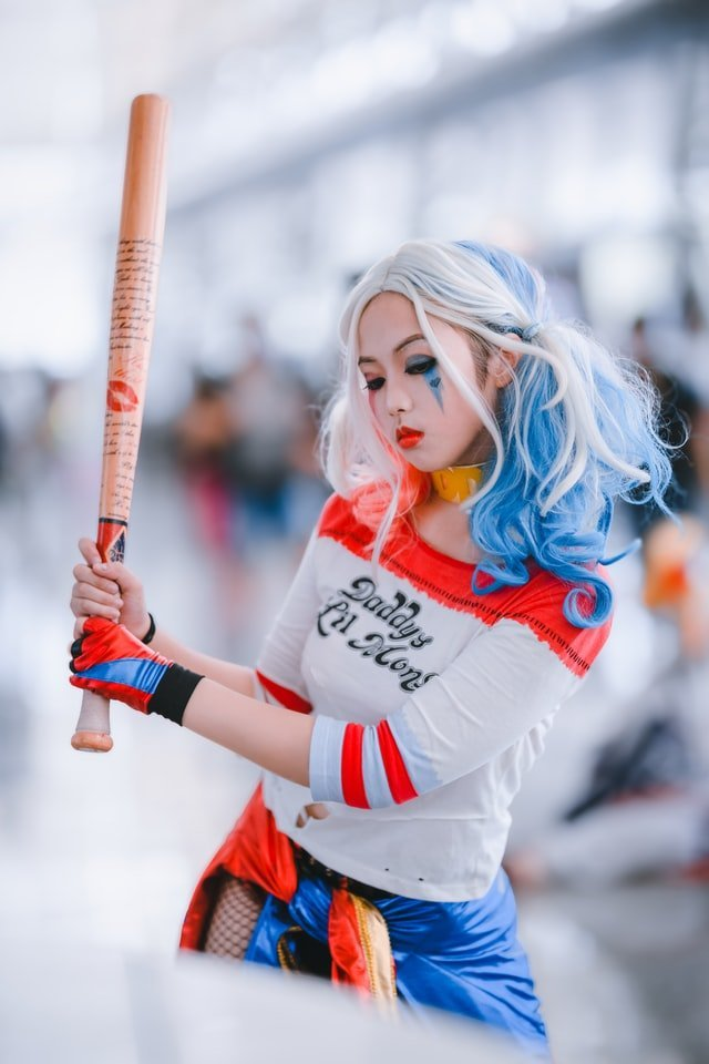 What you need to know before buying a Harley Quinn Costume